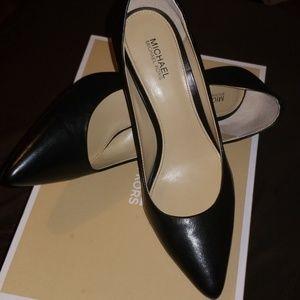 💥FINAL SALE💥 MK flex leather shoes